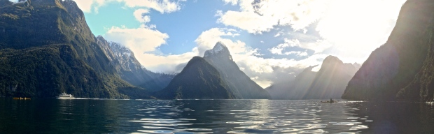 milford-sound-panoramic